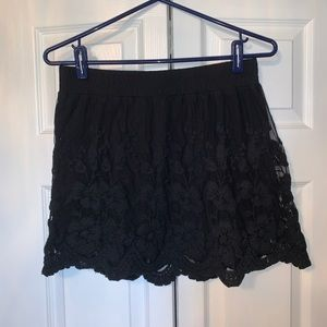 GUESS black lace skirt
